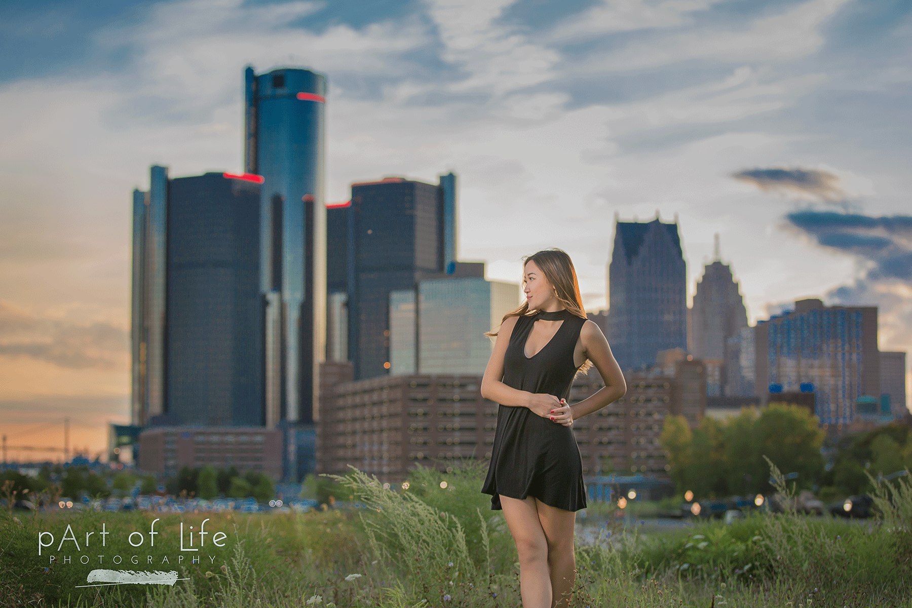 Detroit Skyline senior portrait session
