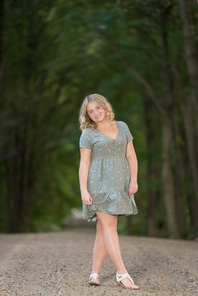 countryside senior portraits